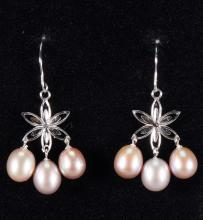 14KT. White Gold Drop Earrings Freshwater Pearls
