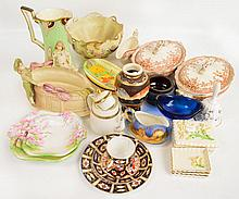 A quantity of decorative ceramics including an Art