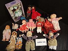 Mixed lot of 14 dolls