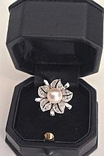 A very beautiful ring with a cultivated pearl