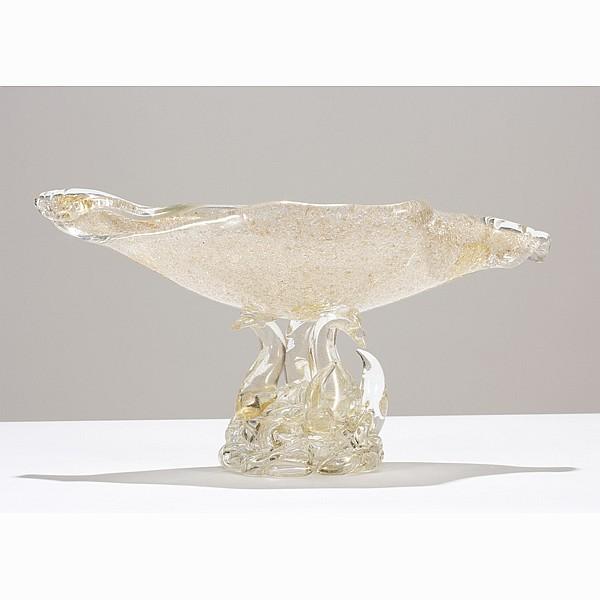 Barovier e Toso rugiadoso Murano glass shell form centerpiece.