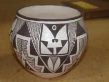 BLACK ON WHITE ACOMA POTTERY JAR BY TENA GARCIA