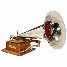 Horn Gramophone by The Gramophone & Typewriter Ltd., c. 1902