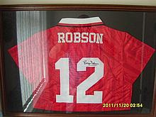 Signed and Framed Manchester United Shirt Bryan Robson from 1994 - 1995
