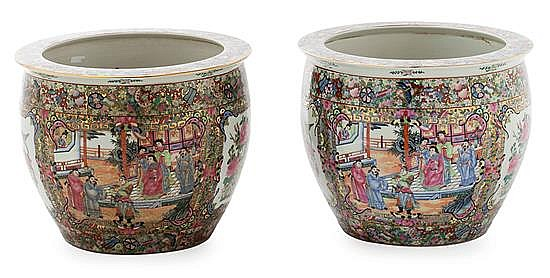 A pair of Canton porcelain Chinese jardinieres, from the 20th century, , 34x42 cm diam