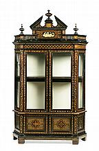 Italian Renaissance-style display cabinet, last third of the 19th Century
