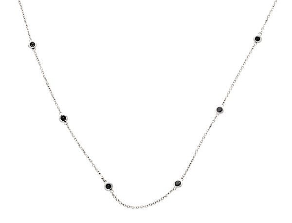 Collar de diamantes negros