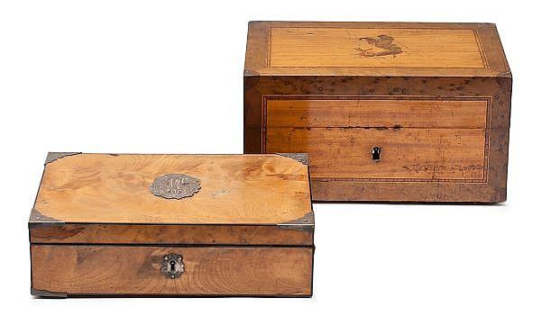 Dos cajas inglesas en caoba y raíz y con marquetería, de la segunda mitad del siglo XIX