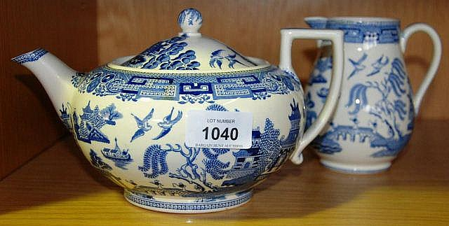 Wedgwood willow pattern teapot & matching jug