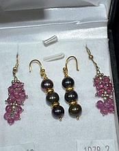 2 pairs of various earrings