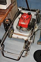 Honda lawnmower, model Buffalo HRU214 21 inch