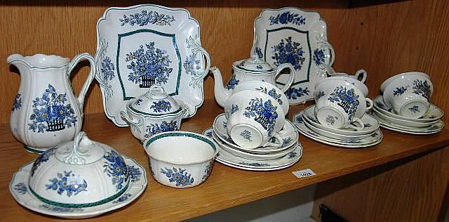 Wedgwood tea service 'Floral' pattern comprising 6