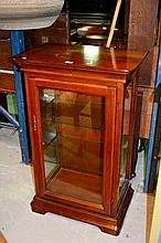 Good quality modern display cabinet, Italian made