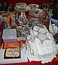 Various sundries incl. display plates, cutlery,