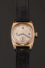 Rolex. A gentleman's 9ct gold 'Rolex Oyster