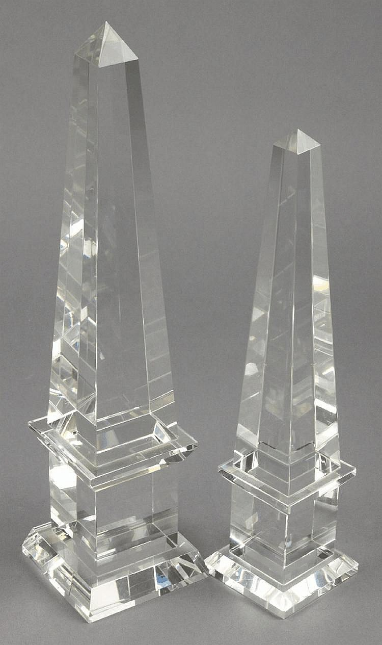 Two contemporary glass obelisks:, 31cm and 26cm