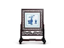 Qing blue and white porcelain with wood seat for map screen
