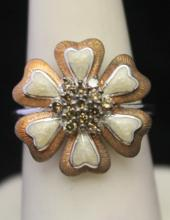 Gorgeous Silver Flower Shape Ring with Mother of Pearl & Cognac Diamonds (127J)