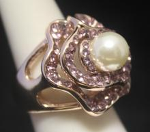 Gorgeous 14kt Rose Gold over Silver Pearl & Sapphire Ring (131R)