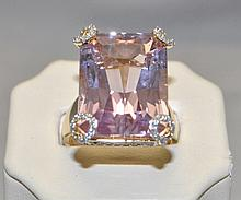 18KY Kunzite & Diamond ring. The spectacular ring