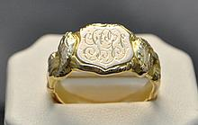 18KY Vintage Signet ring. This lovely monogramed