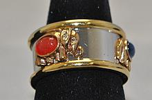 Two Tone ladies fashion costume ring. It has an