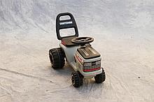 Craftsman plastic child's riding tractor 17