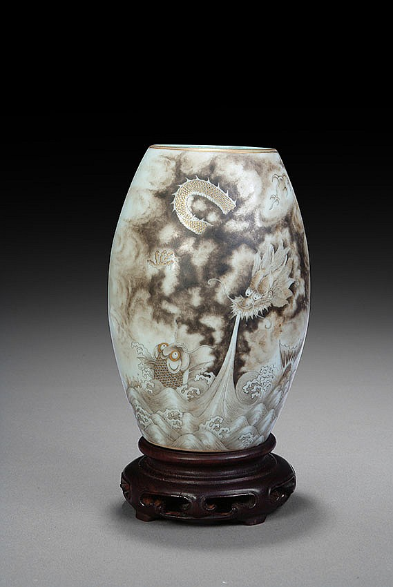 A CHINESE OLIVE SHAPED VASE