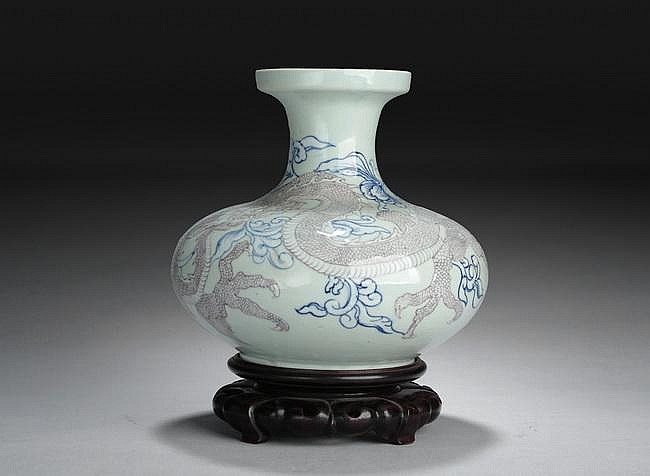 A CHINESE UNDERGLAZED BLUE AND RED
