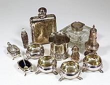 An Edward VII plain silver rectangular spirit flask with bayonet top