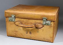 An early 20th Century leather dressing case