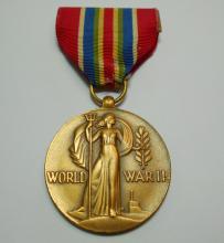 WWII MERCHANT MARINE MEDAL
