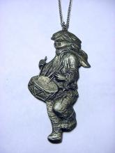 1974 INTERNATIONAL PEWTER DRUMMER BOY PENDANT