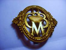 UNUSUAL VINTAGE BADGE