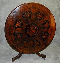 Antique auction with low starting bids