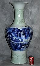 Pair Chinese blue and white porcelain vase with celedon