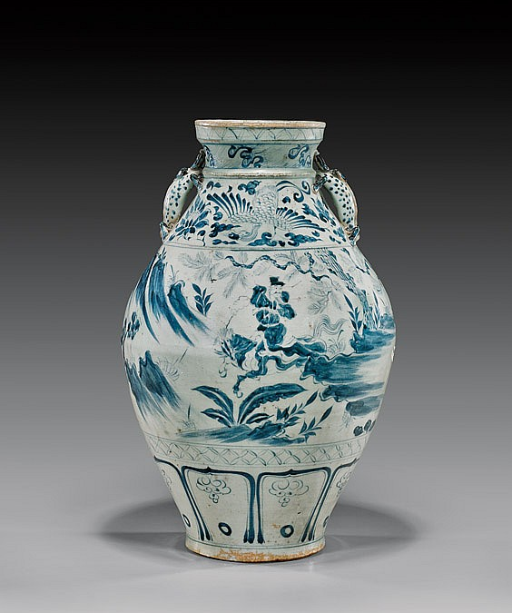 IMPORTANT LARGE YUAN DYNASTY BLUE & WHITE JAR