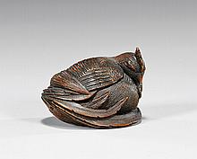 ANTIQUE CARVED WOOD NETSUKE: Rooster