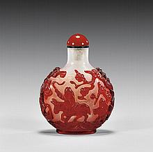CARVED OVERLAY GLASS SNUFF BOTTLE