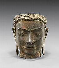 ANTIQUE SOUTHEAST ASIAN BRONZE HEAD
