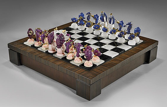 EXQUISITE PRECIOUS GEM MARINE LIFE CHESS SET