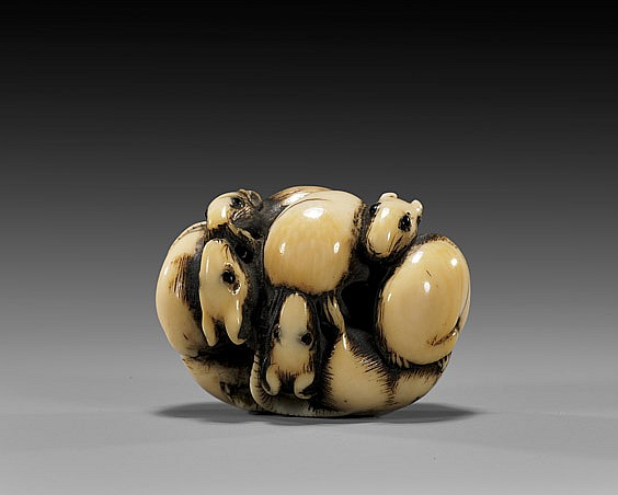ANTIQUE IVORY NETSUKE: Ball of Rodents