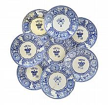 A QUANTITY OF 19TH-CENTURY BOVEY TRACEY BLUE AND WHITE MESS PLATES