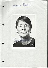 Glenda Jackson signed 6 x 4 b/w portrait photo,