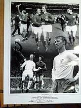 JACK CHARLTON: 16x12 inch photo signed by England 1966 World Cup winner Jack Charlton. Good condition