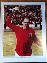 RAY WILSON: 16x12 inch photo signed by England 1966 World Cup winner, Ray Wilson. Good condition