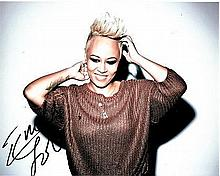 Emili Sande 10x8 photo of Emili, signed by her in London, 2014 Good condition