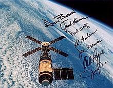 Skylab Multi signed photo. This 8×10″ colour