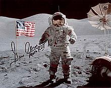 Gene Cernan signed photo. This 8″ x