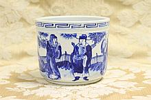 A good Chinese hand painted blue and white bowl